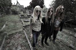 High-Priestess-Graveyard